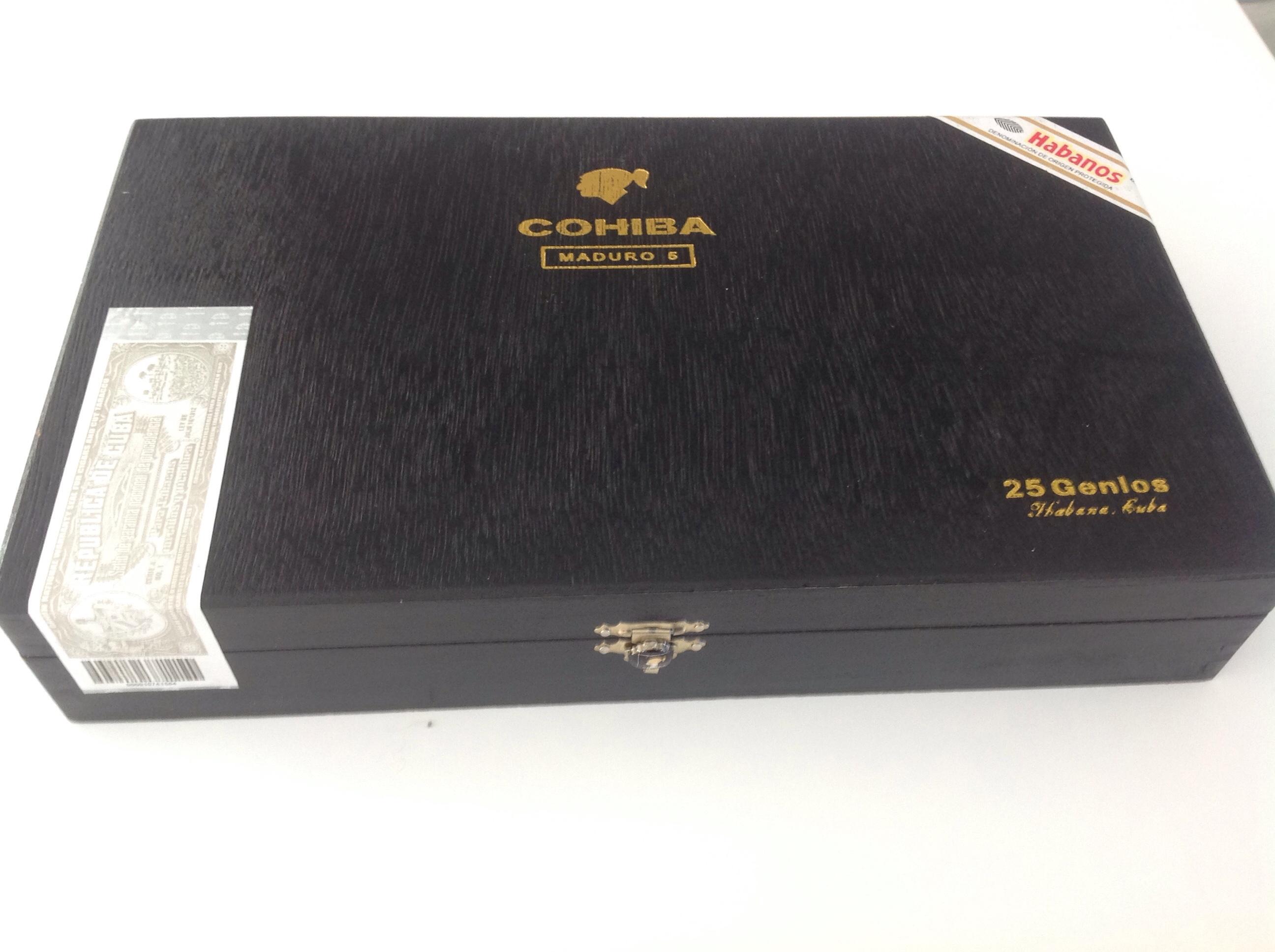 Coffret noir de 25 cigares COHIBA GENIOS série MADURO 5  . 350 Perpignan (66)
