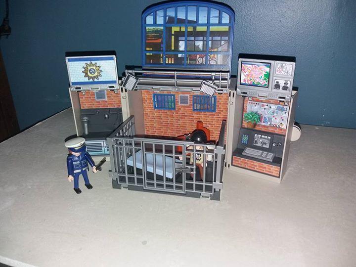 coffret police playmobil 15 Briare (45)