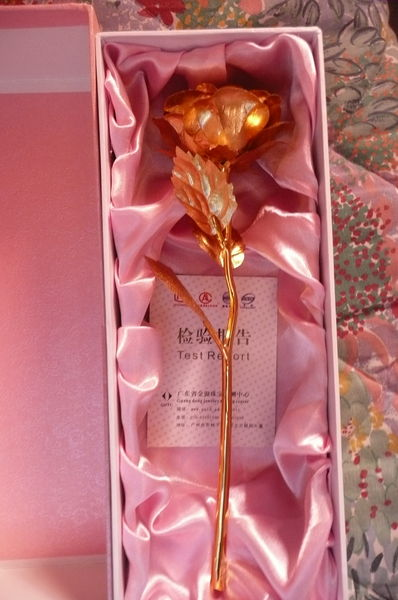 COFFRET ROSE DOREE OR NEUF Décoration
