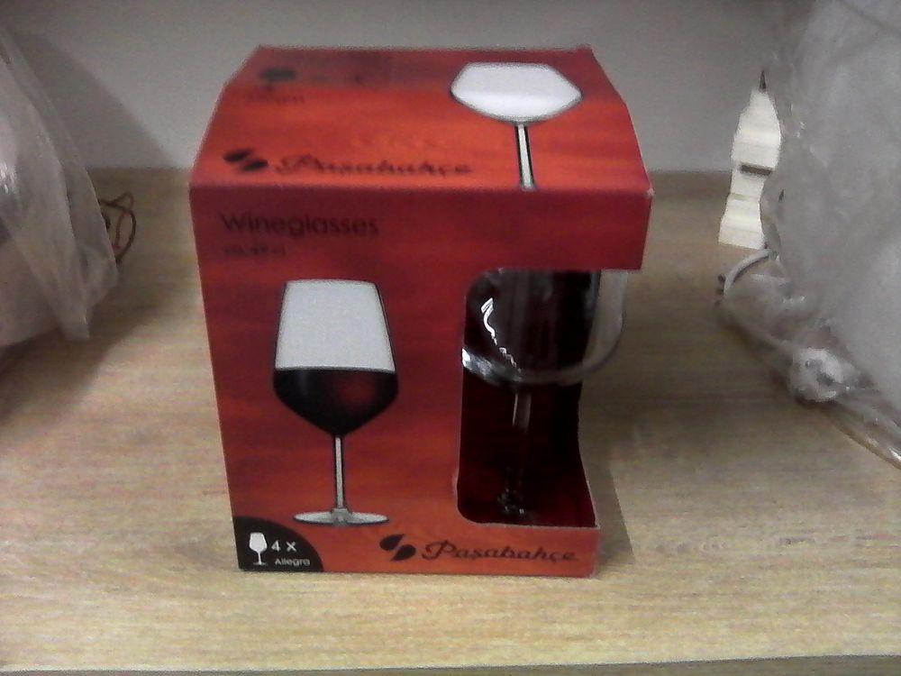Coffret verres à vin neufs 0 Vermelles (62)