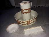 coiffeuse dessus marbre avec accessoires (broc, pose savon)  140 Bray-sur-Seine (77)