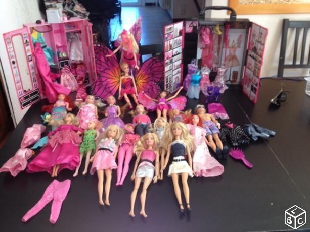 Collection de Barbies Jeux / jouets