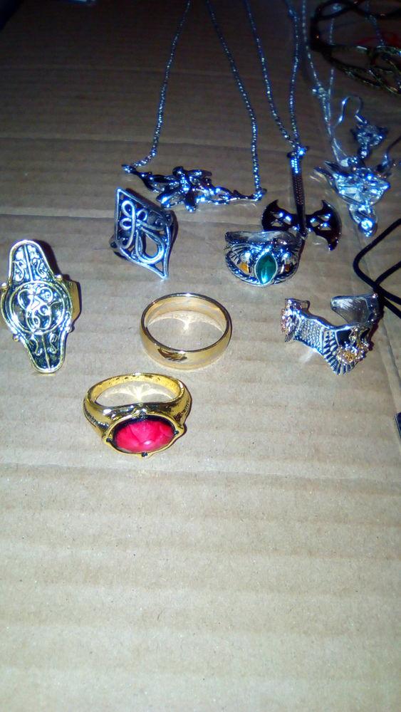 Collection 17 bijoux + la couronne neuf Seigneur des Anneaux 50 Pouancé (49)