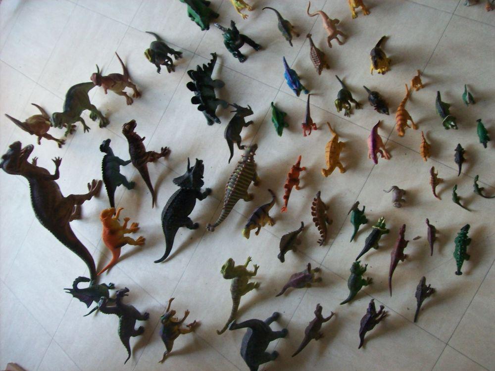 collection de dinosaures, animaux et personnages  - zoe 3 Martigues (13)