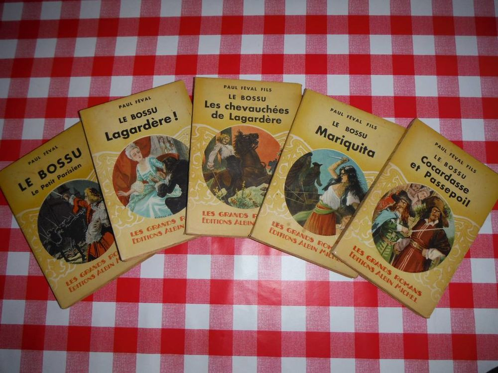 Collection de 5 livres 50 Villeneuve-le-Roi (94)