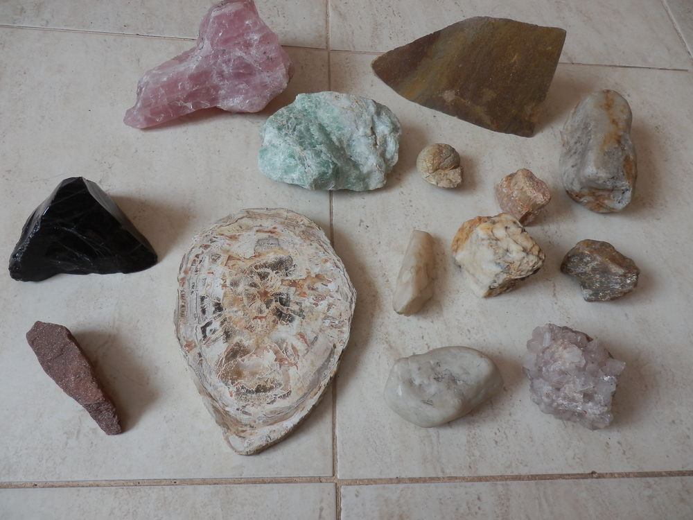 Collection de pierres 25 La Garenne-Colombes (92)