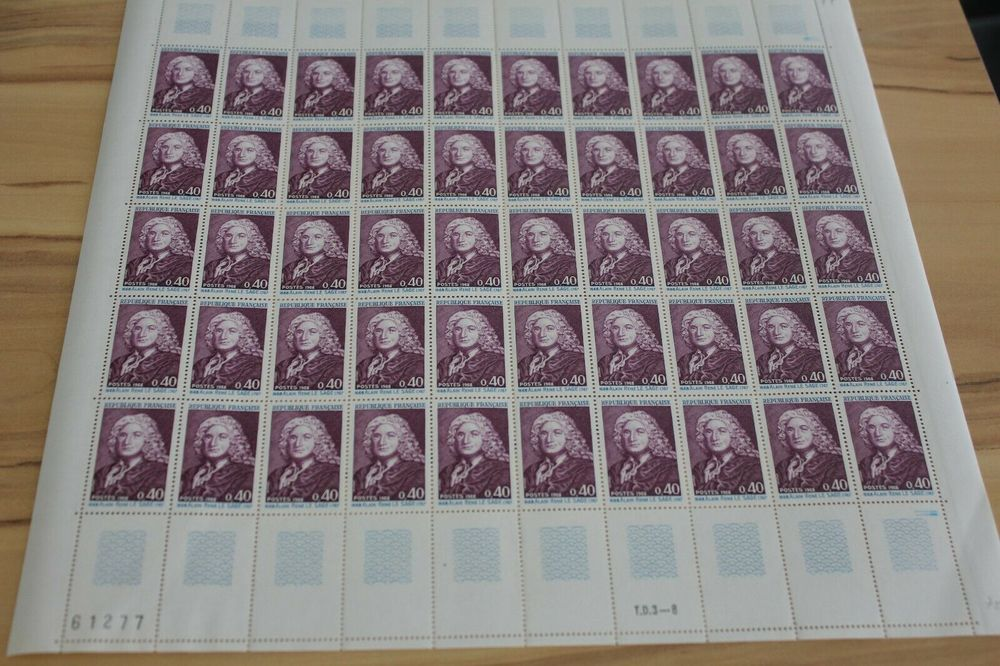 collection de timbres neuf 250 minimum  250 L'Isle-d'Abeau (38)