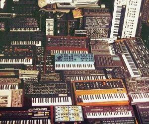 Collectionneur achète tout type de matériel de Musique 1 Angers (49)