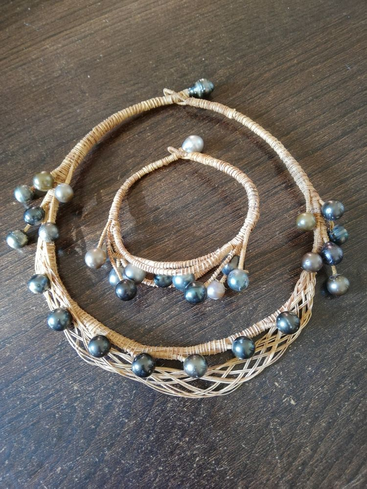 Collier et bracelet assortie tahitien  40 Arpajon (91)