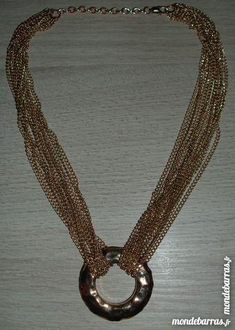 Collier de chaînes fantaisie 25 Antibes (06)