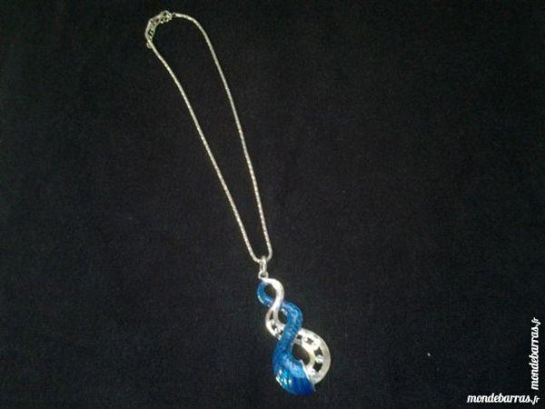 collier colori turquoise métal argenté très b état 4 Marseille 12 (13)
