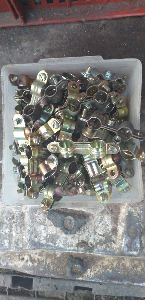 collier double et simple pour tuyau Bricolage