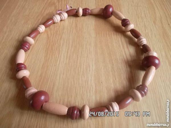 collier perles bois Jeux / jouets