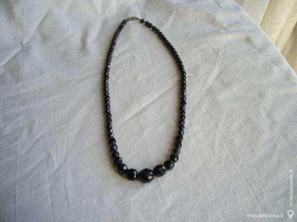 Collier perles noire 10 Montgeron (91)