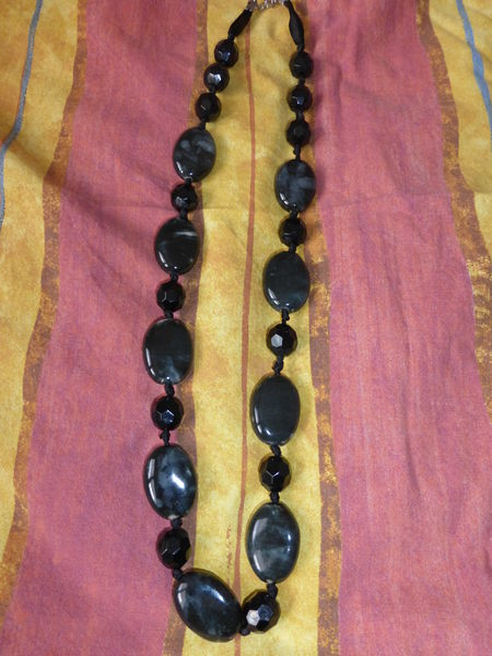 COLLIER perles noires/grises fantaisie -neuf 10 Doussard (74)