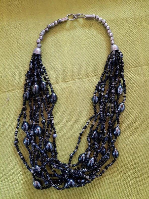 Collier perles noires multi brin tres bon etat 47 cm de long 5 Viriat (01)