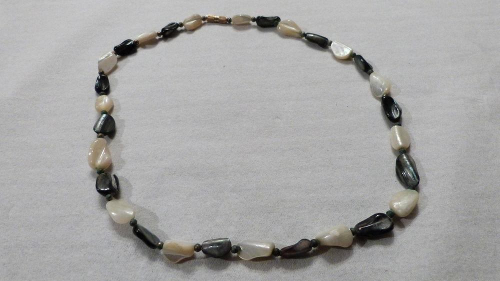 Collier véritable perles nacre blanches, noires 13 Écuisses (71)