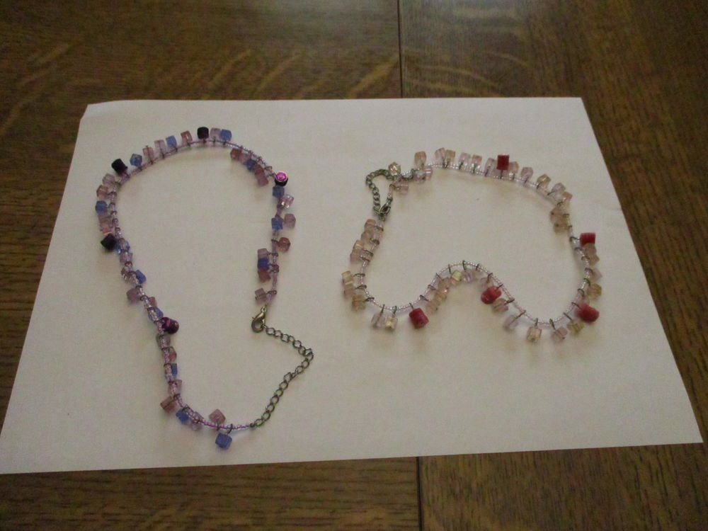 2 colliers fantaisies petites perles bleu et rose 40 cm   0 Mérignies (59)