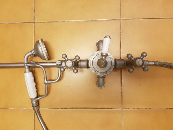 colonne de douche ancienne