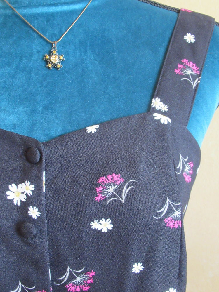 Combi-short noir à fleurs - Mungo - Taille M (NEUF) 18 Livry-Gargan (93)
