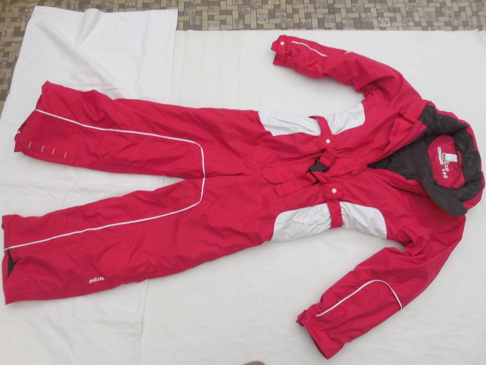 combinaison de ski 4 ans et 10 ans  : état neuve 25 Pontault-Combault (77)
