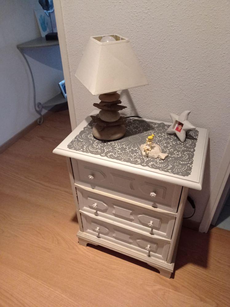 Commode bois gris clair/blanc cassé  3 tiroirs 25 Sète (34)