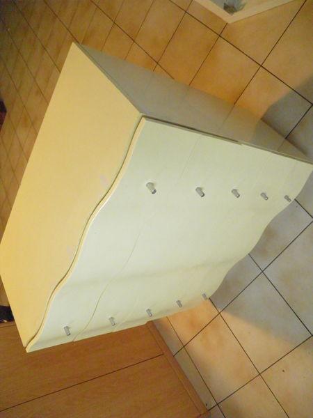 commode lingère, moderne galbée, 5 tiroirs, jaune pale 135 Isles-les-Meldeuses (77)