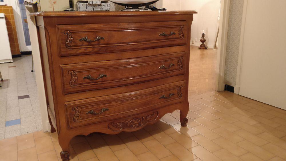 Commode 3 tiroirs et chevet chêne massif finition ébéniste. 400 Grenoble (38)