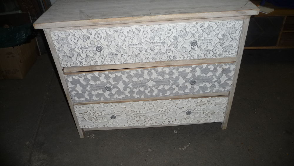 Commode 3 tiroirs en manguier massif sculpté blanc 200 Trappes (78)
