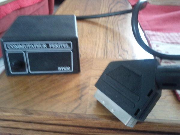 Commutateur Péritel reliant 2 appareils sur TV projecteur 0 Nemours (77)