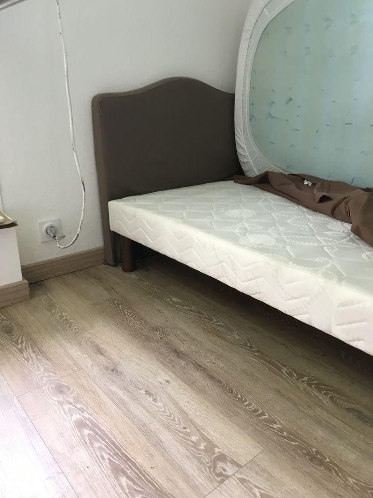 un lit complet 90  0 Créon (33)