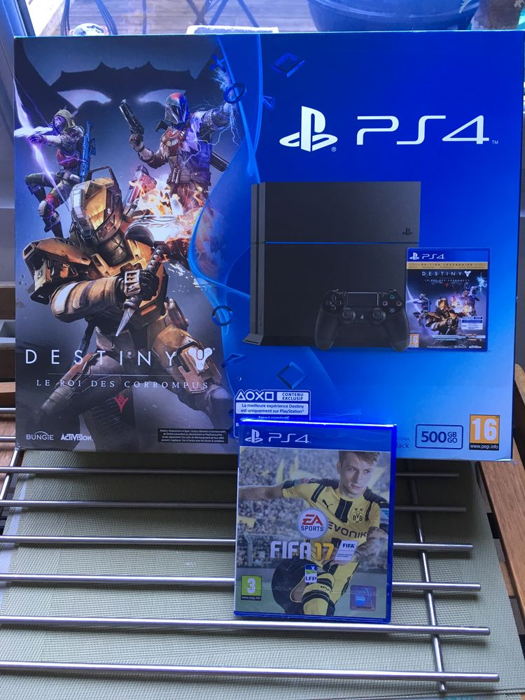 Console jeu PS4 500 Go (cuh-1216a) NEUVE & FIFA17 250 La Madeleine (59)