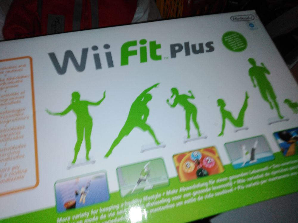 Wii console avec manette Wii fit plus Jeu 200 Angoulême (16)