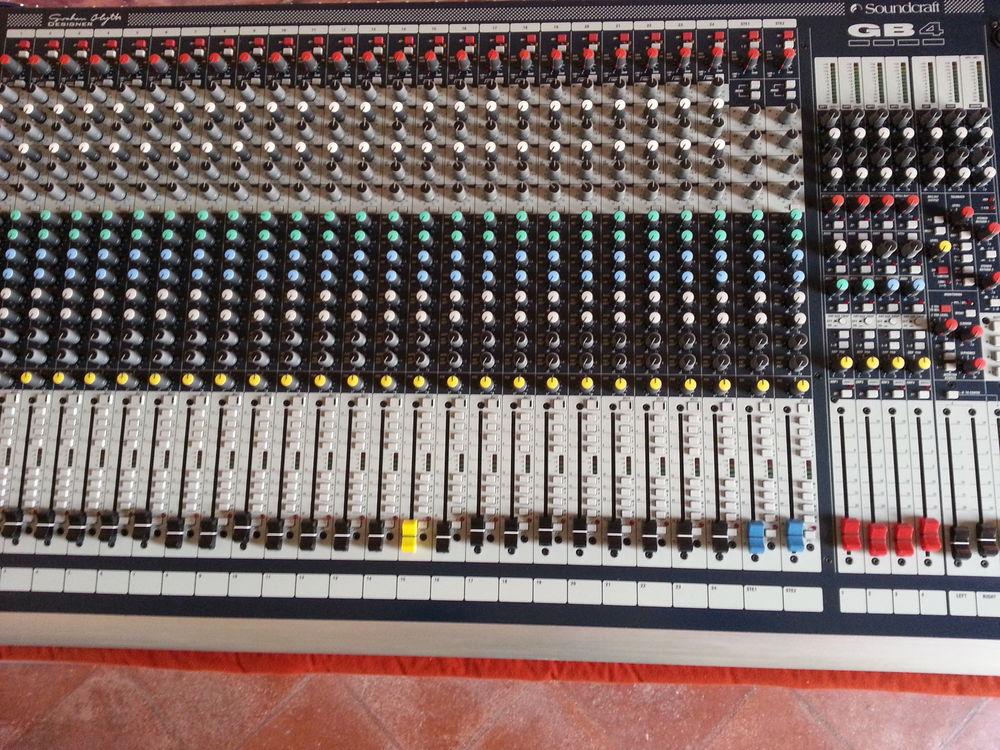 Console mixage 24 / 8 / 2 950 Lherm (31)