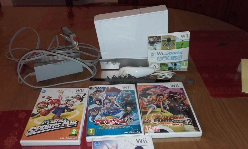 Console de jeu WII Consoles et jeux vidéos