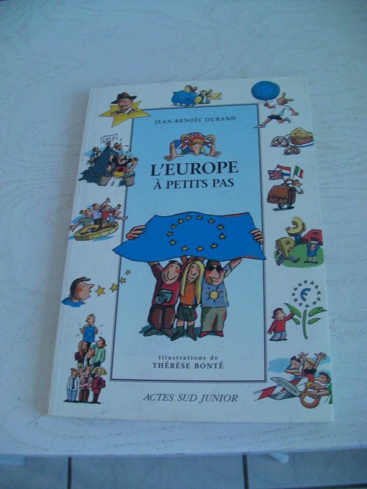CONTES D'EUROPE - L'EUROPE A PETITS PAS 3 Saint-Etienne (42)