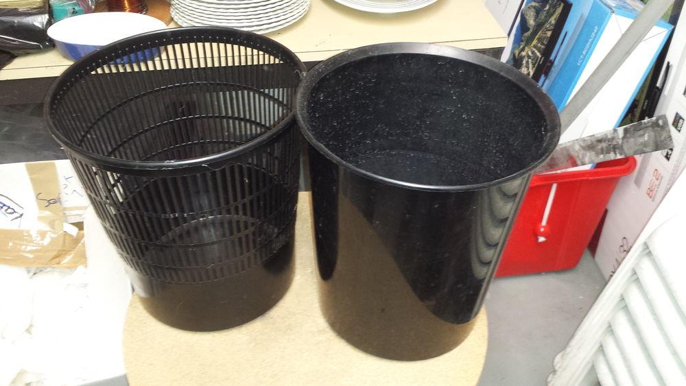 corbeilles à papier noir 0 Mérignies (59)