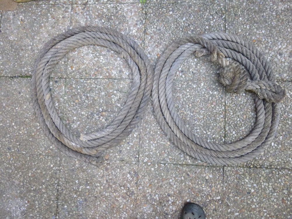 2 cordes de 5,50 m de long , diam 35mm . 0 Saint-Malo-de-Phily (35)