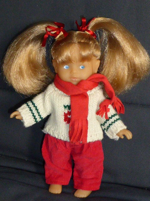 Corolle Mini corolline blonde pull hiver 12 Rueil-Malmaison (92)