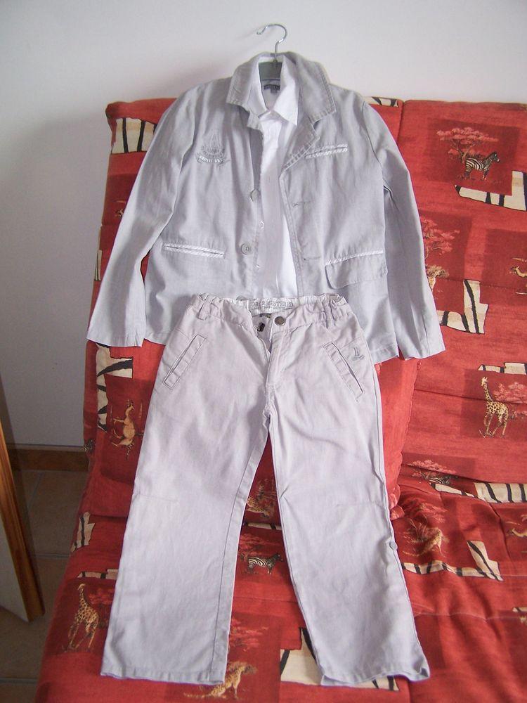 Costume enfant 6 ans 15 Flavignac (87)