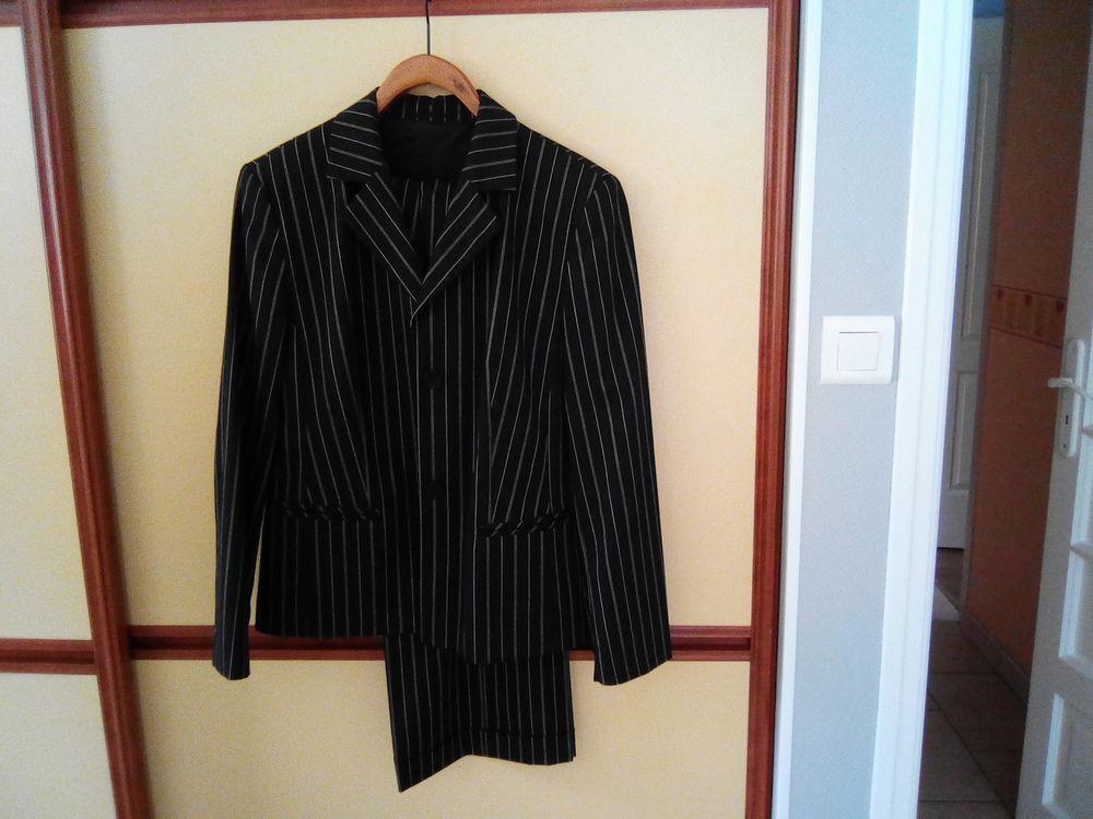 Costume femme porter une seule fois 50 Frignicourt (51)