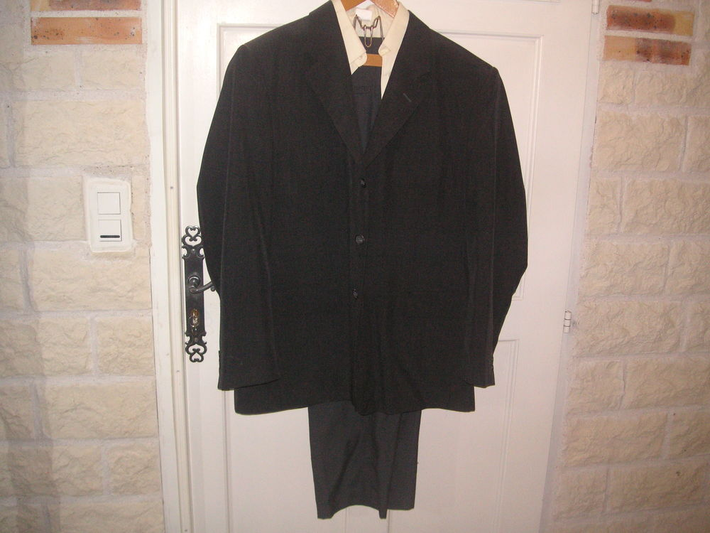 costume gris 29 La Roche-sur-Yon (85)