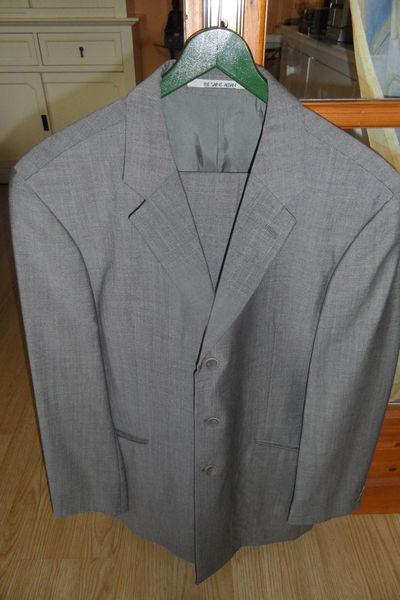 Costume homme gris t.46 12 Ervy-le-Châtel (10)