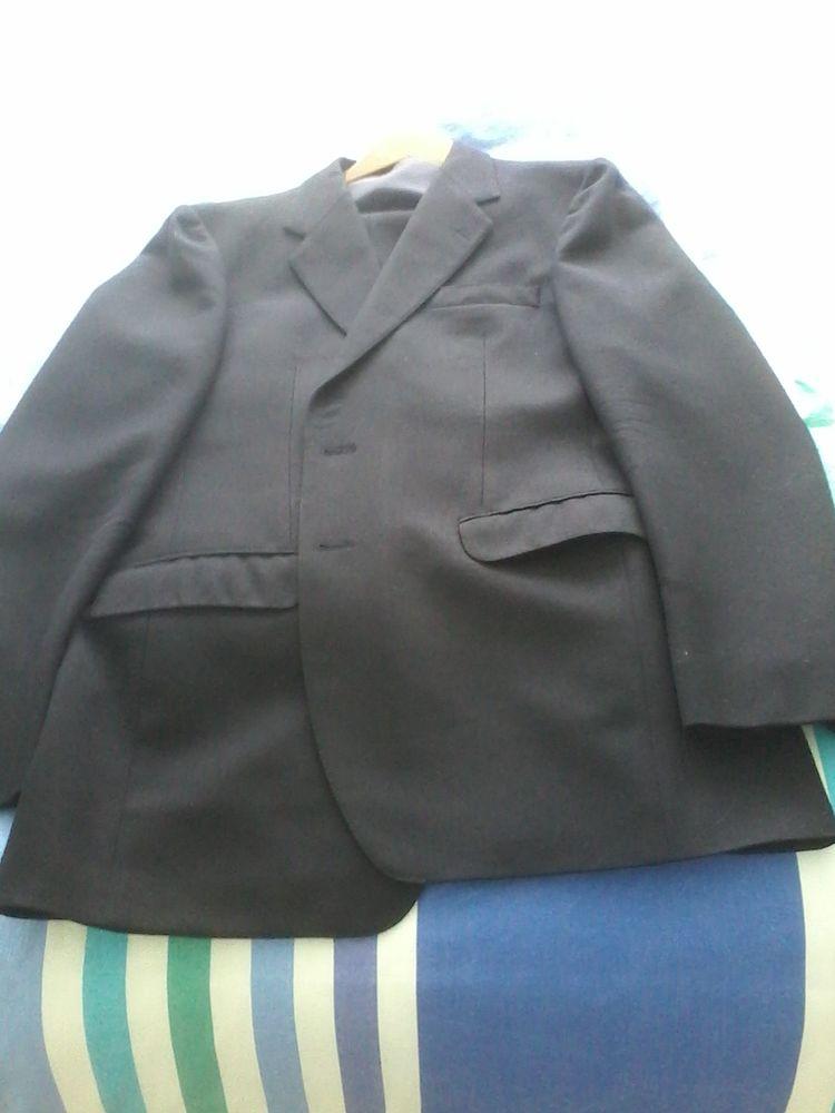 Costume 3 pièces de marque Pierre  cardin 100 Tourcoing (59)