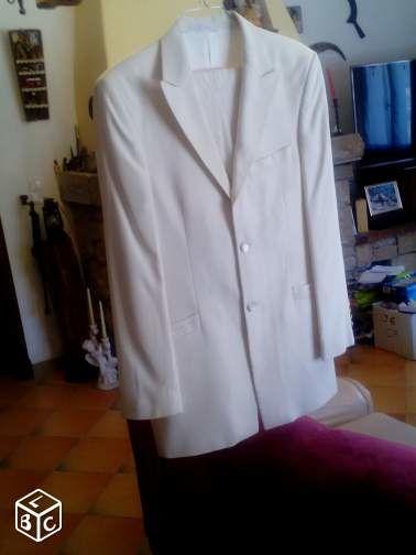 costume 50 Saint-Cézaire-sur-Siagne (06)
