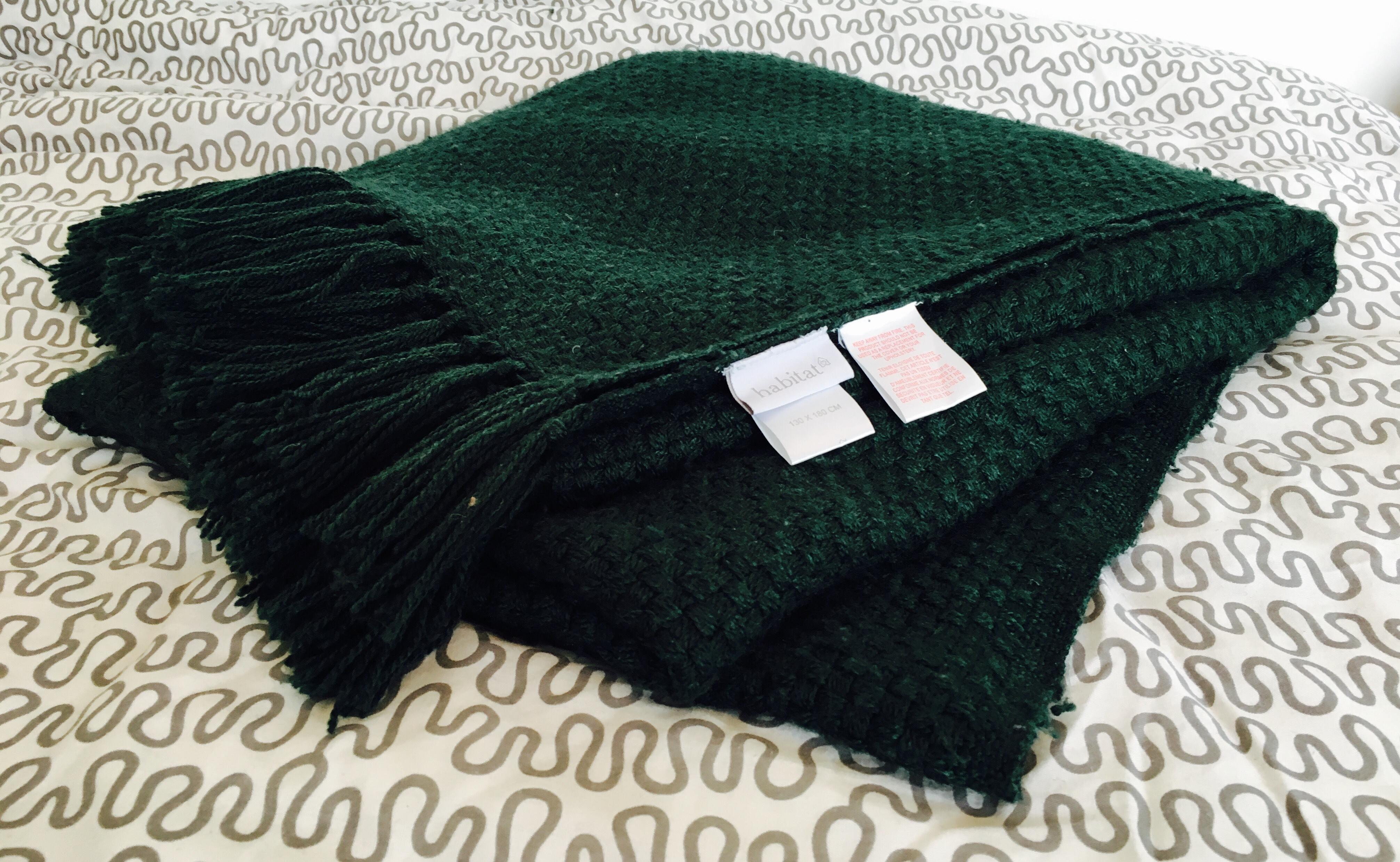 achetez couette en laine quasi neuf annonce vente paris. Black Bedroom Furniture Sets. Home Design Ideas