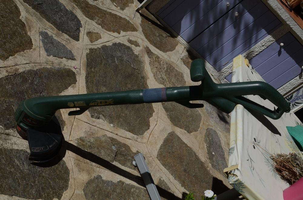 Coupe bordure 20 La Londe-les-Maures (83)
