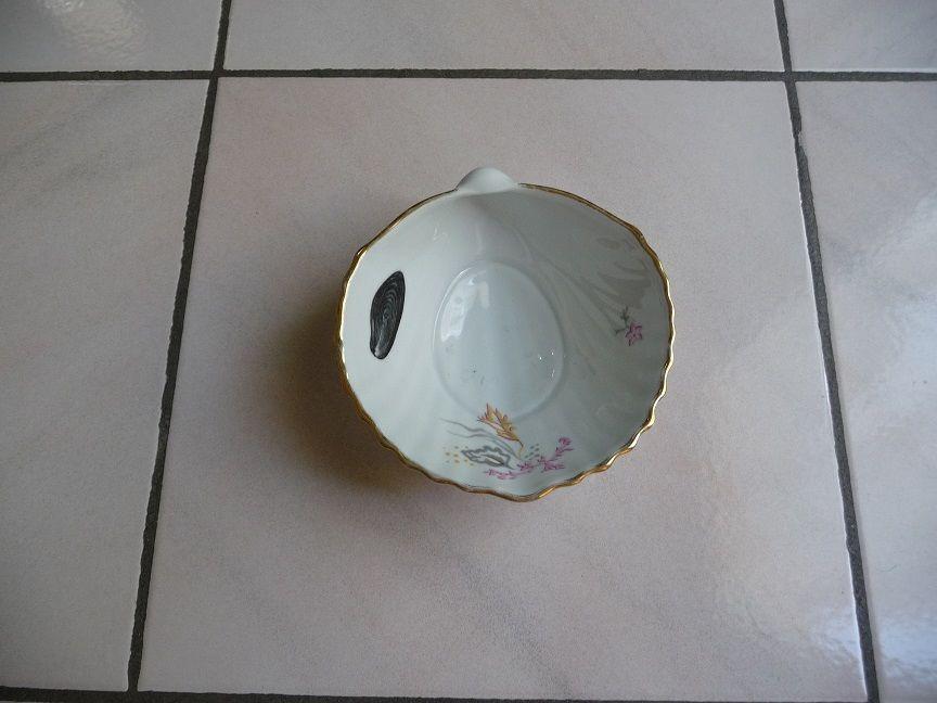 Coupe porcelaine forme coquillage 8 Montigny-le-Bretonneux (78)