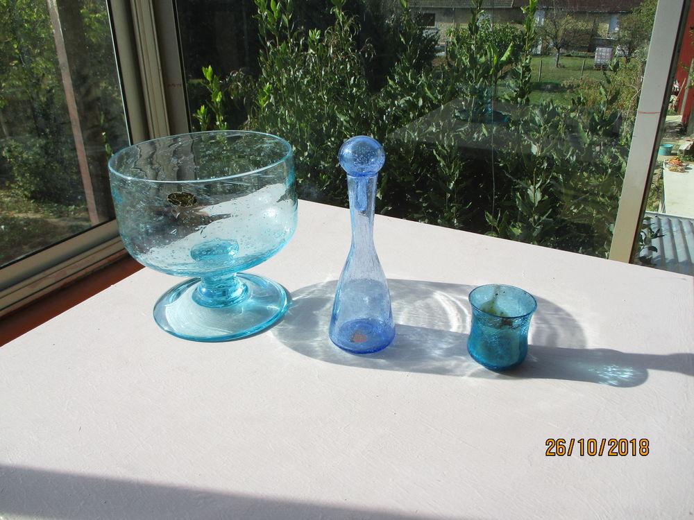 Lot coupe sangria La Rochère + bouteille + verre bleu. 130 Le Vernois (39)