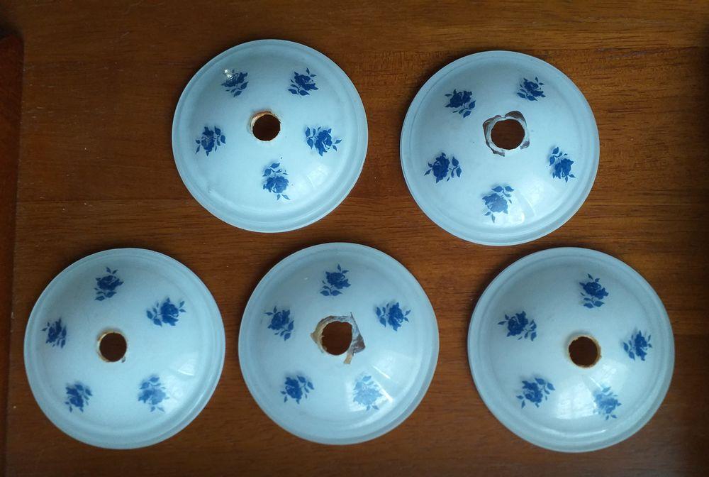 Lot de 5 coupelles ou bobeches en verre blanc et décor roses bleues 15 Montauban (82)